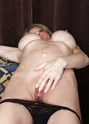 Mature Pussy Galleries, Big Ass Matures and Sexy Mom Asses